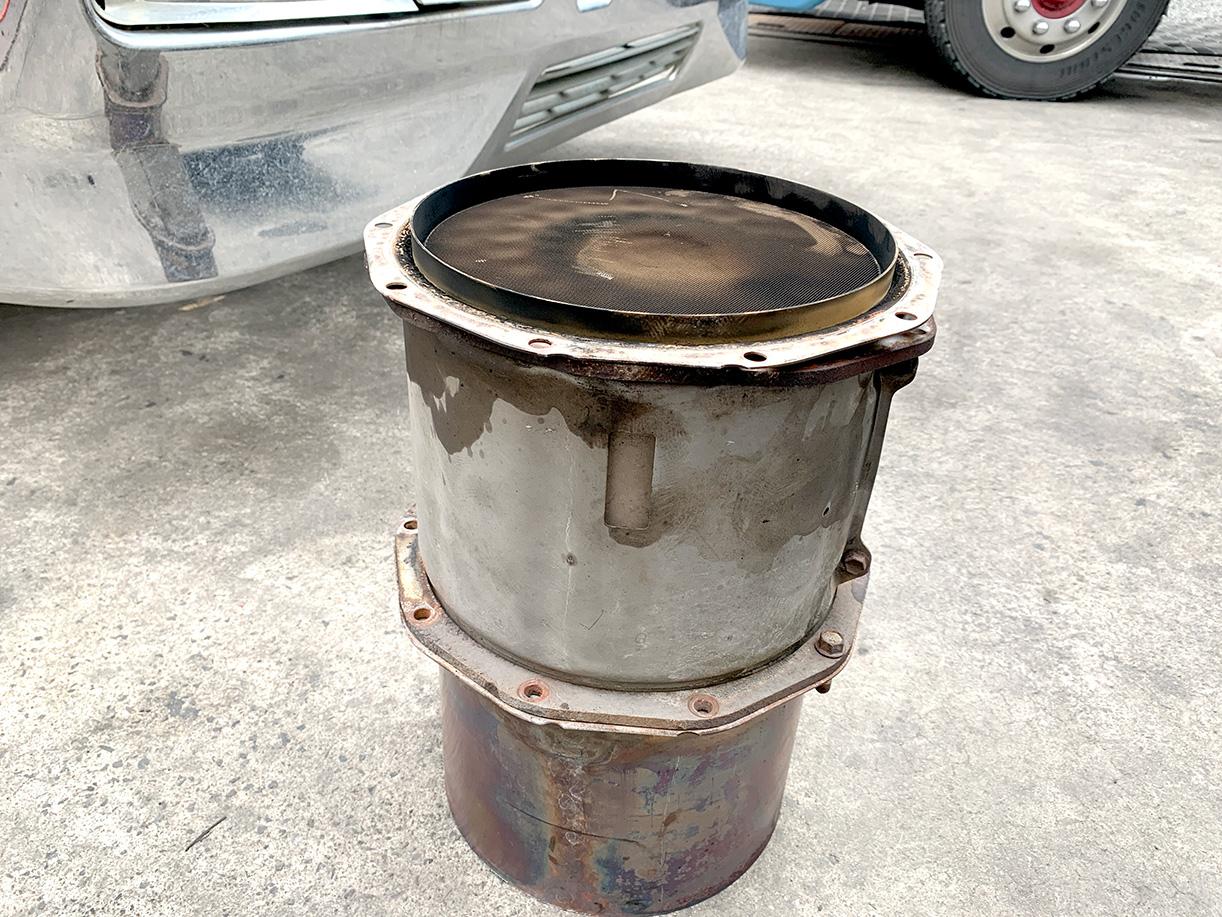 福山市の中古車販売会社様 / DPマフラー洗浄事例